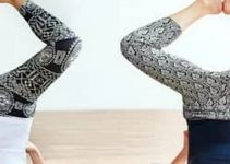How to Get in the Practice of Yoga With an iPhone or Android Phone